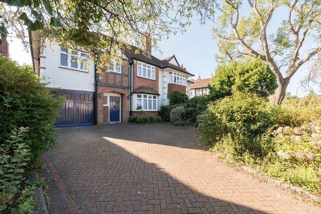 Photo 17 of Meadway, London N14