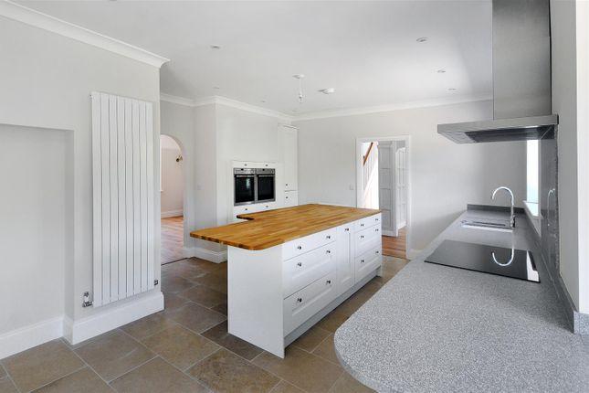 Kitchen of Courtlands Way, Worthing BN11