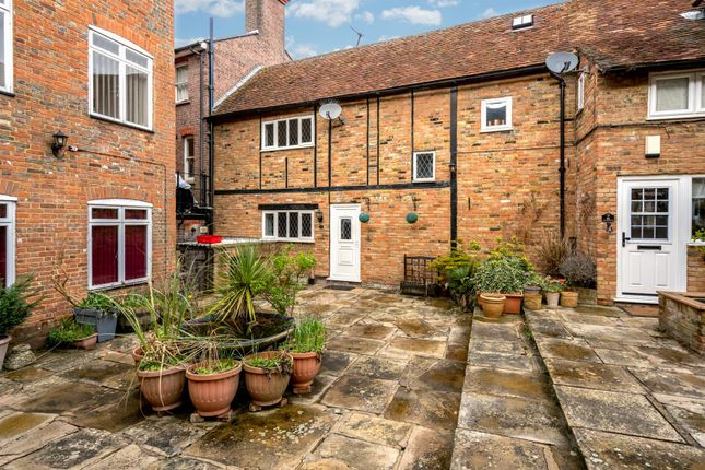Thumbnail Terraced house to rent in Sun Square, Old Town, Hemel Hempstead