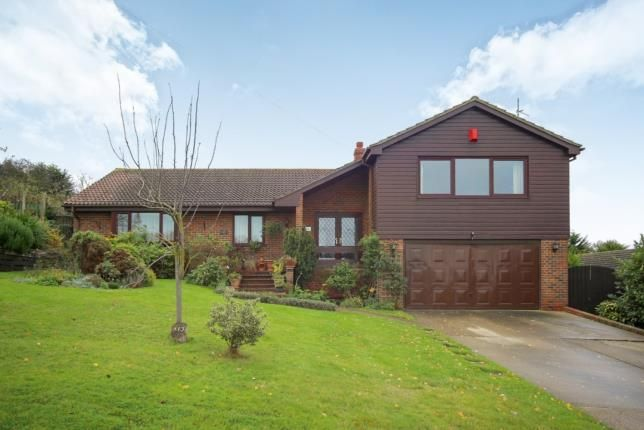 Thumbnail Bungalow for sale in Southsea Avenue, Minster-On-Sea, Kent