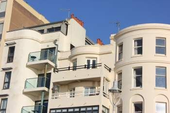 Thumbnail Flat to rent in Kings Road, Brighton