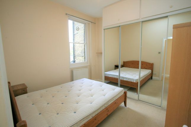 Flat for sale in Cologne Road, London