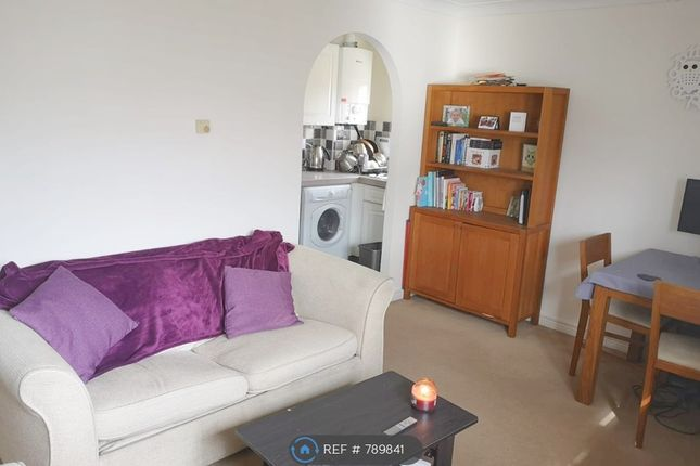 Living Room of Gower Close, London SW4
