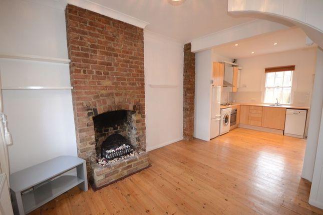 Thumbnail Cottage to rent in Duke Street, Windsor