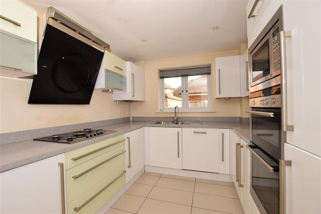 Thumbnail Flat for sale in Fortune Way, Kings Hill, West Malling, Kent