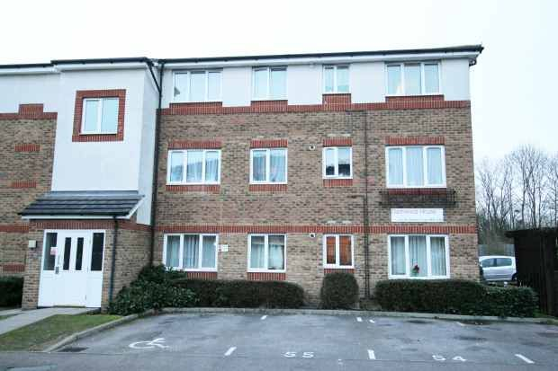Front View of Akerlea Close, Milton Keynes, Buckinghamshire MK6