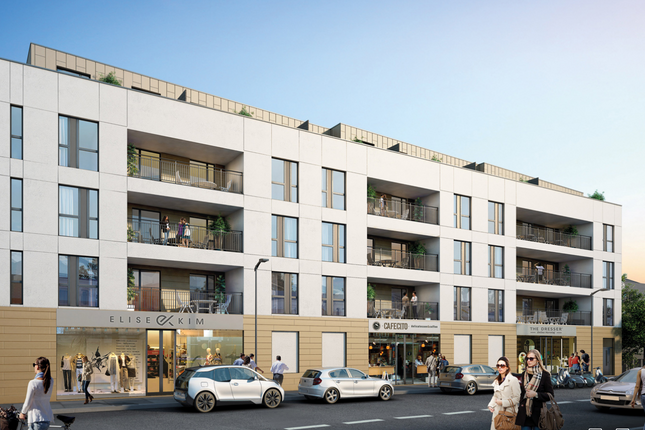 Thumbnail Flat for sale in Stoke Road, Slough