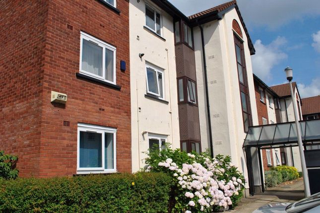 Thumbnail Flat to rent in Knights Court, Canterbury Gdns, Salford