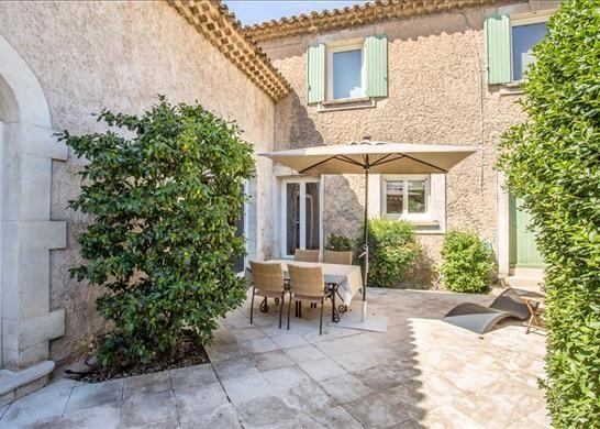 84400 Apt, France