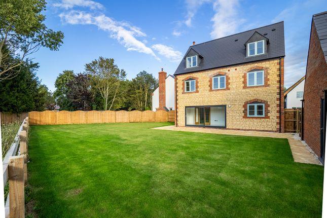 Thumbnail Detached house for sale in Tysoe Road, Little Kineton, Warwick