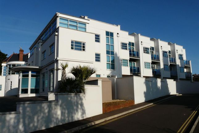 Thumbnail Terraced house to rent in Magdalen Road, St. Leonards, Exeter