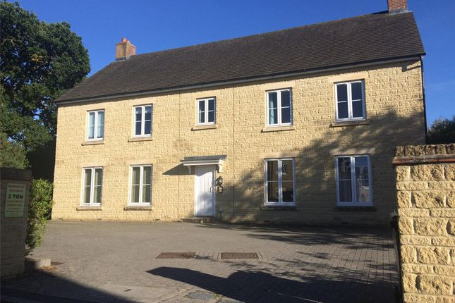 Thumbnail Flat to rent in Grey Lane, Witney, Oxfordshire