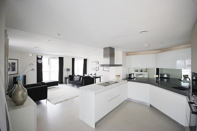 Flat For In Bezier Apartments 91 City Road Old Street Sditch