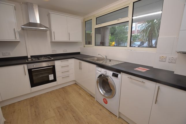 Thumbnail Flat to rent in Pares Close, Woking, Horsell, Surrey