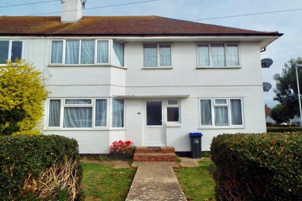 2 bed property to rent in Shirley Drive, Worthing BN14