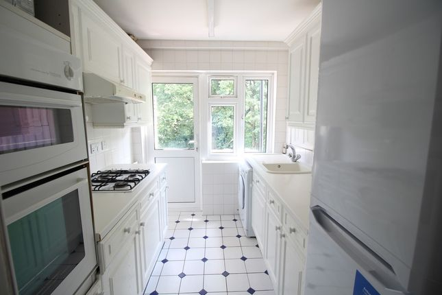 Thumbnail Flat to rent in Brook Avenue, Edgware