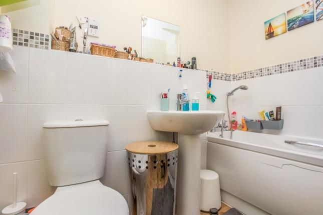 Bathroom of Wey House, Taywood Road, Northolt UB5