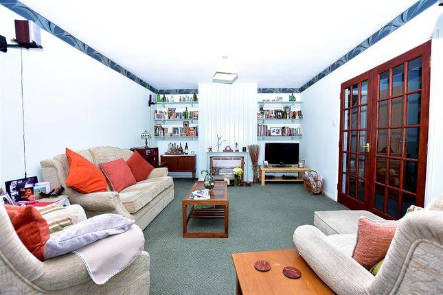 Living Room of Minster Road, Minster On Sea, Sheerness ME12