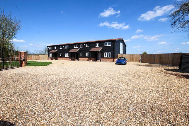 Thumbnail Barn conversion for sale in Ledburn, Leighton Buzzard