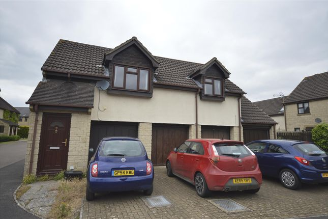 2 bed flat to rent in Kemble Drive, Cirencester, Gloucestershire GL7