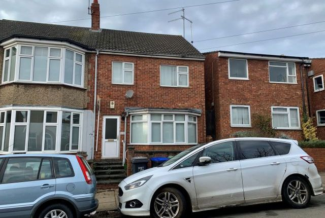 2 bed flat for sale in Clarence Avenue, Kingsthorpe, Northampton NN2