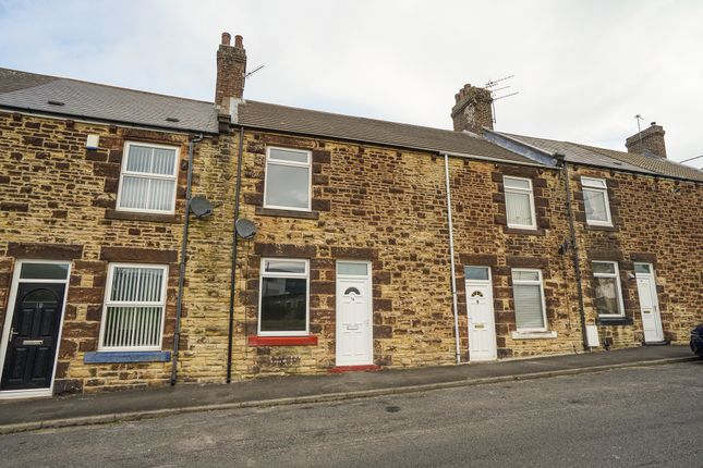 Thumbnail Terraced house to rent in Berry Edge Road, Consett