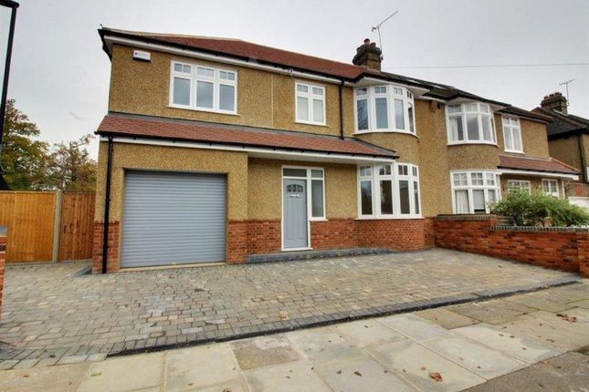 Thumbnail Property to rent in Hillside Crescent, Enfield