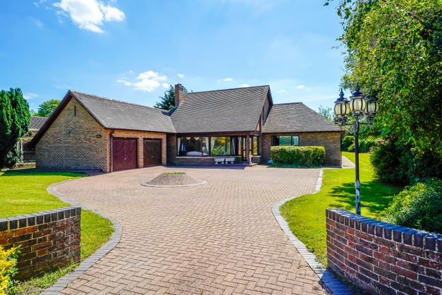 Thumbnail Detached bungalow for sale in Huntingdon Road, Fenstanton, Huntingdon
