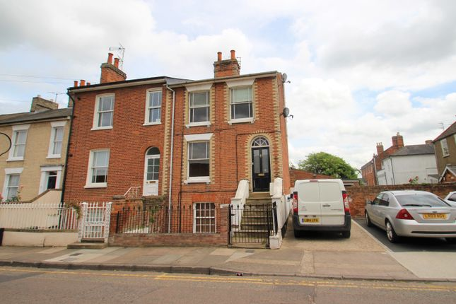 Thumbnail Maisonette to rent in Roman Road, Colchester