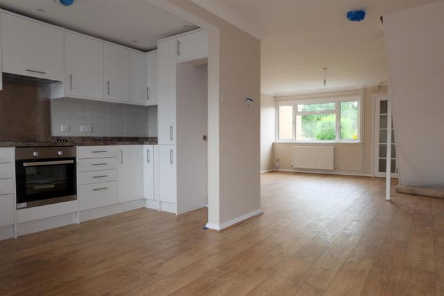 Thumbnail Terraced house to rent in Morgans Close, Wilstead, Bedford