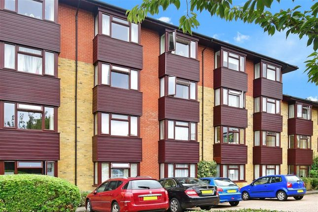 1 bed flat for sale in Red Lodge Road, West Wickham, Kent BR4