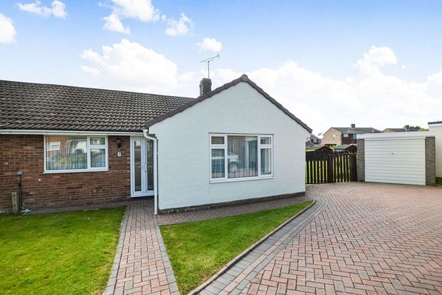 Thumbnail Bungalow for sale in Meadowbrook Close, Kennington, Ashford