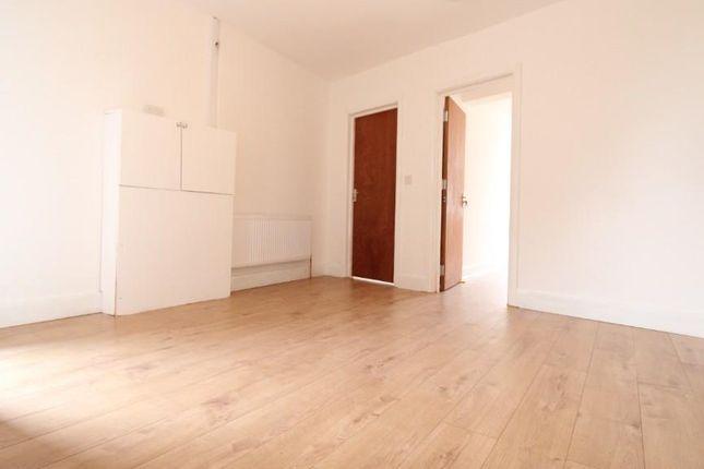 Thumbnail Flat to rent in Westmount Centre, Uxbridge Road, Hayes