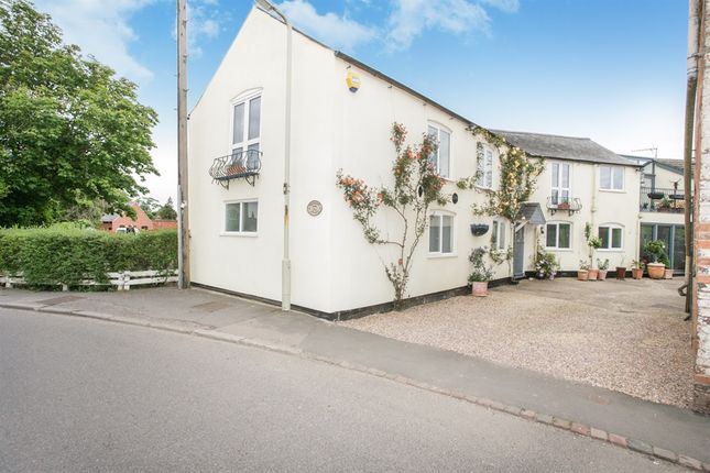 Thumbnail Property for sale in Bell Lane, Husbands Bosworth, Lutterworth