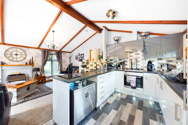 2 bed mobile/park home for sale in Button Bridge, Kinlet, Bewdley DY12