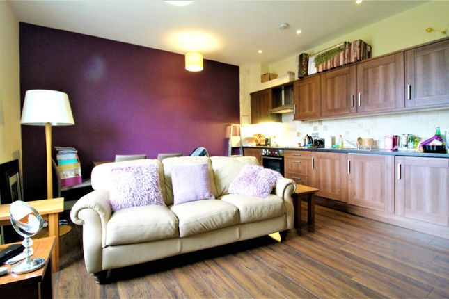 Thumbnail Flat to rent in St Lawrence House, Crawshaw Road, Leeds