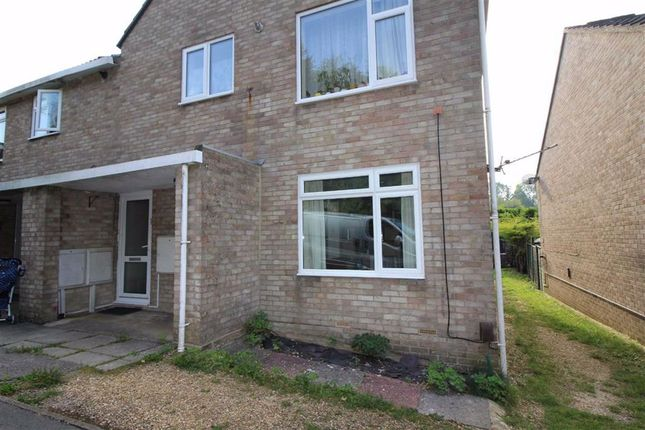 1 bed flat to rent in Orchard Close, Warminster BA12