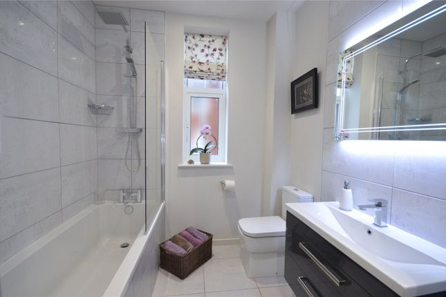 Bathroom of Elwyn Road, Exmouth EX8