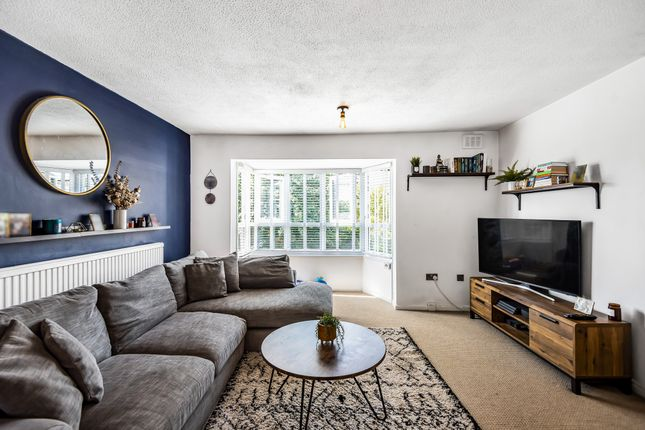1 bed flat for sale in Bredgar Road, London N19