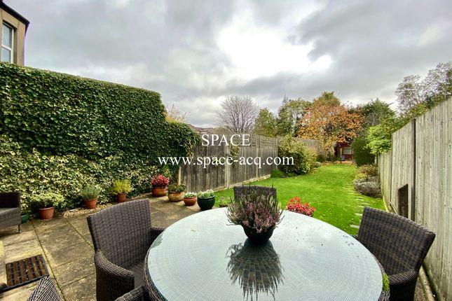 Garden of Long Lane, Finchley, London N3