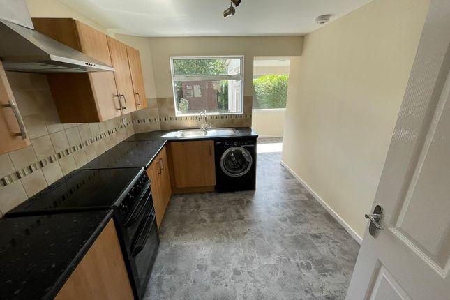 Thumbnail Flat to rent in Doon Way, Glasgow