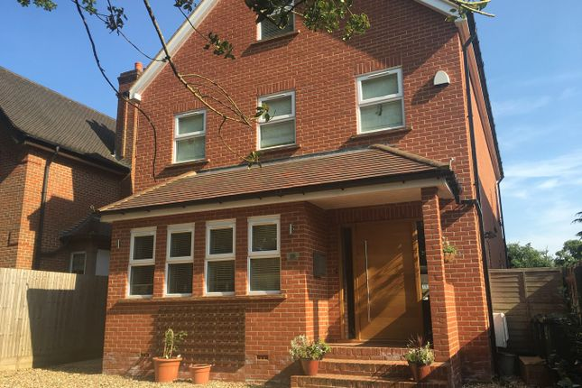 Thumbnail Town house to rent in The Avenue, Tadworth