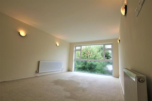 Thumbnail Flat to rent in Stratton Close, Egdware