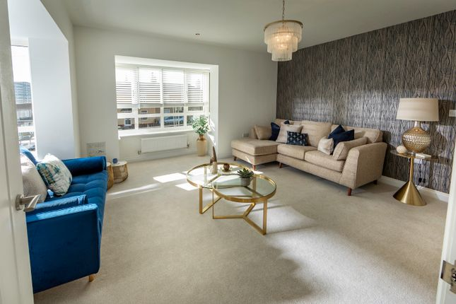 4 bedroom semi-detached house for sale in Maes Gwdig, Burry Port