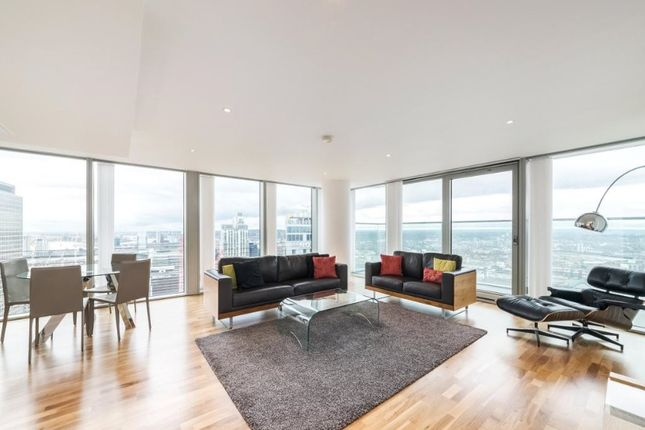 Thumbnail Flat to rent in Landmark Towers, Docklands, London