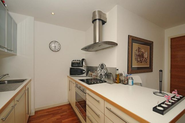 Kitchen of Gainsborough Studios North, 1 Poole Street, London N1