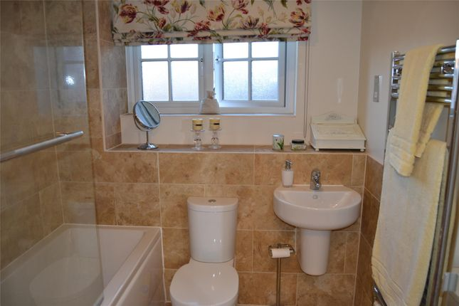 Family Bathroom of Danby Street, Cheswick Village BS16