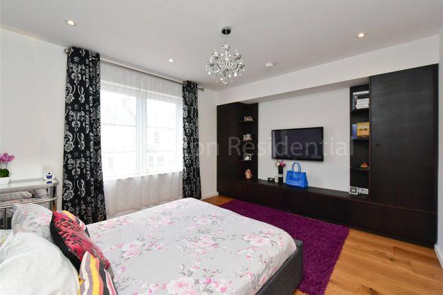 Picture No. 22 of Caversham Road, Harringay, London N15