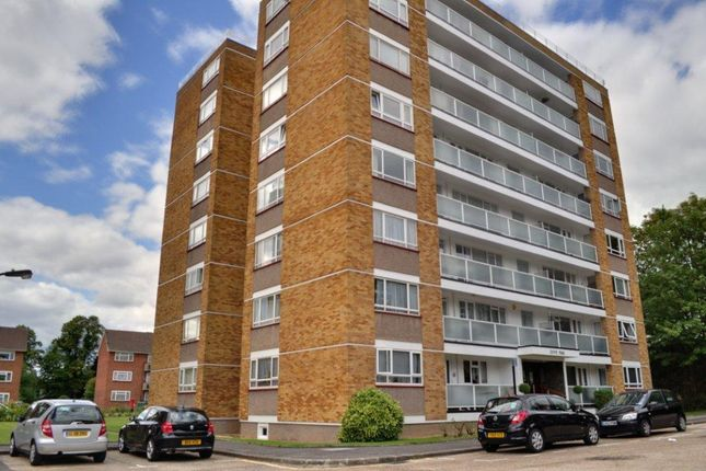 1 bed flat to rent in Dove Park, Hatch End, Middx HA5