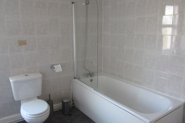 Bathroom of Alexandra Drive, Bootle L20